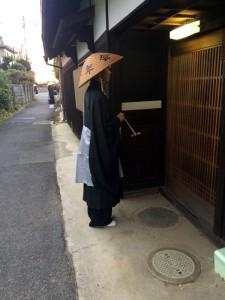 2015 10 28 門付托鉢 (5)